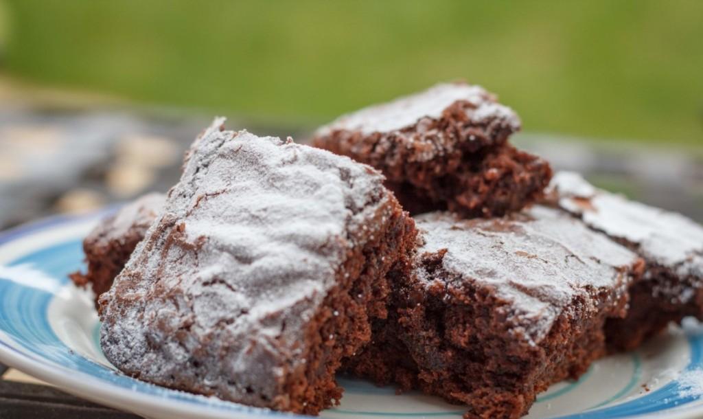 chocolate brownies, baking, simple recipe, bake sale