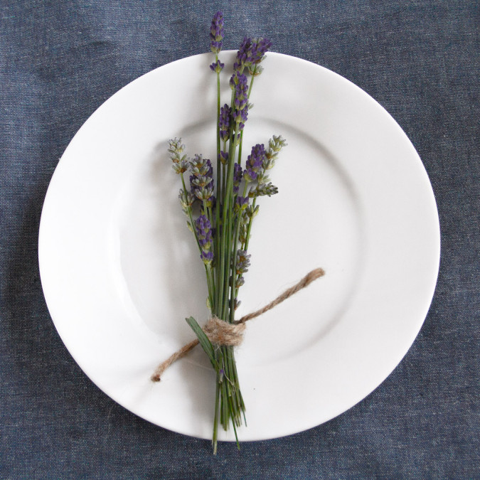 plate, latevder, white, china, lavender, foodstyling, table decor