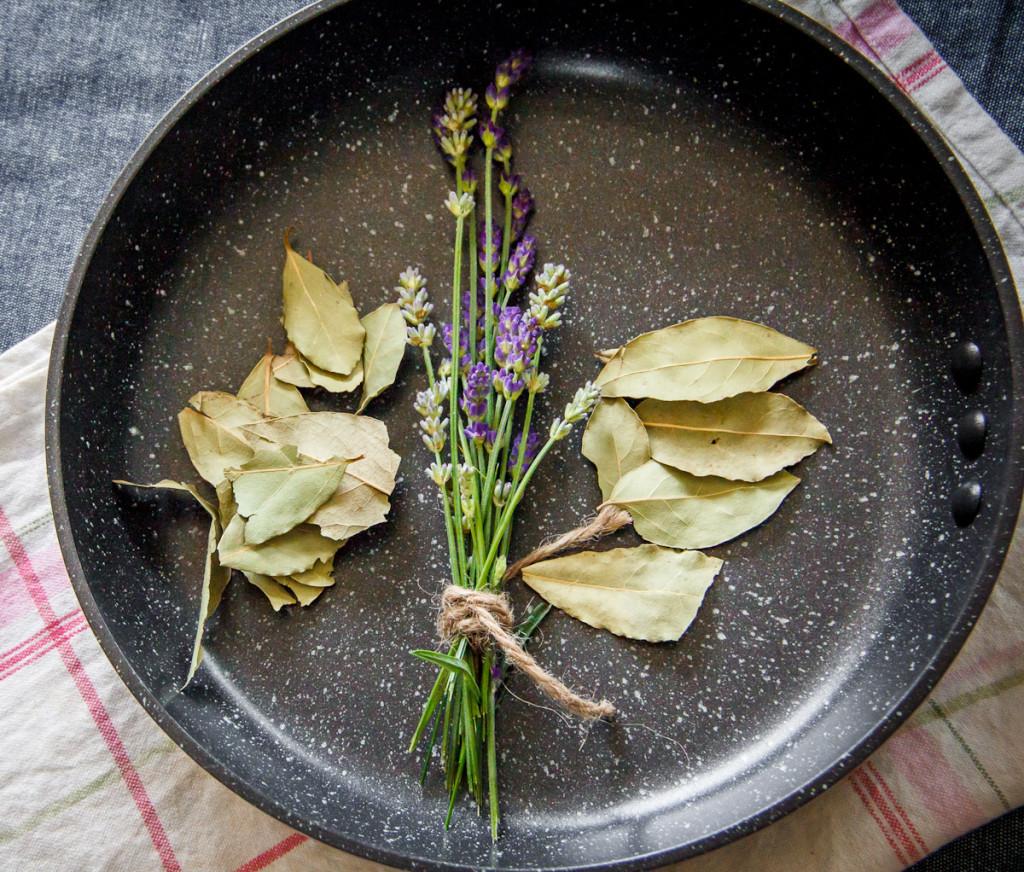 Ozeri Stone Earth Pan. Non stick, non toxic, cast iron alternative