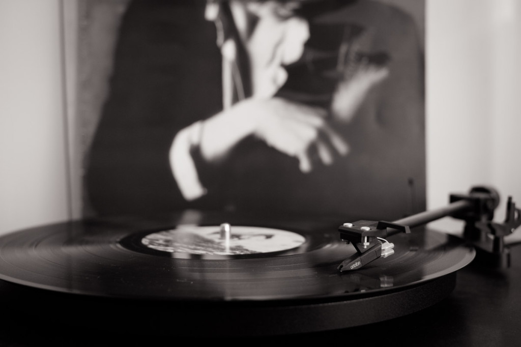 music, Chrome, smoke, vinyl, black and white, monochrome